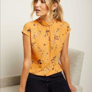 RW&Co Short sleeve mock-neck tshirt top M nwt
